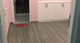 Phòng ngủ lót sàn gỗ