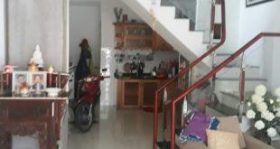 Phòng khách nhà phố Lê Văn Thọ