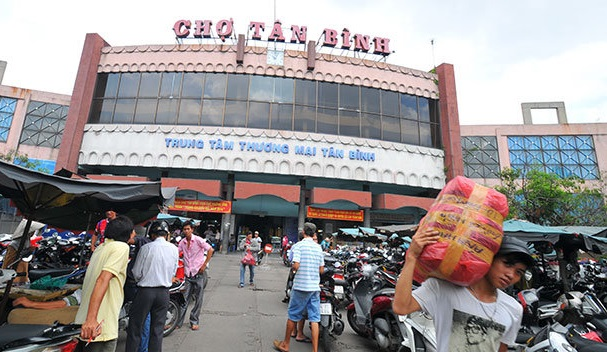 Chợ Tân Bình, chỉ mất 3' đi xe.