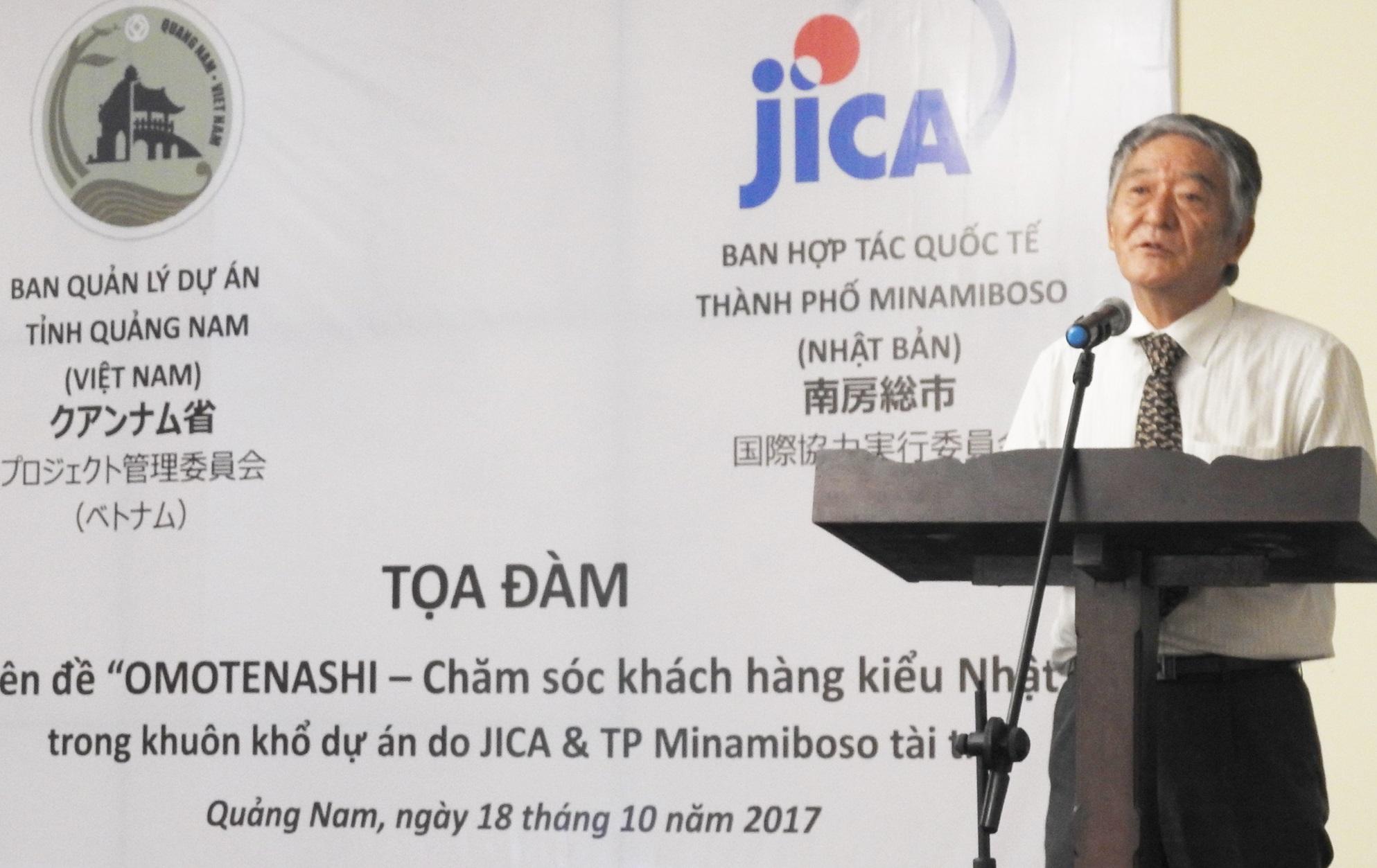Ông Fumio Kato- đại diện JICA trao đổi tại Tọa đàm ở Hội An