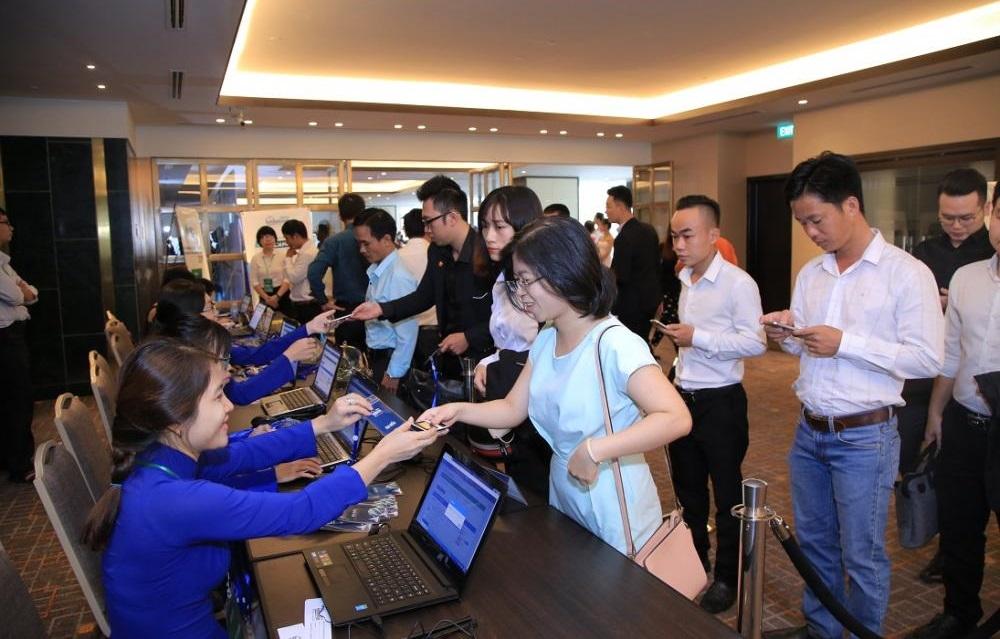 Đông đảo khách hàng là doanh nghiệp, nhà đầu tư uy tín tham gia Hội nghị Bất động sản Việt Nam