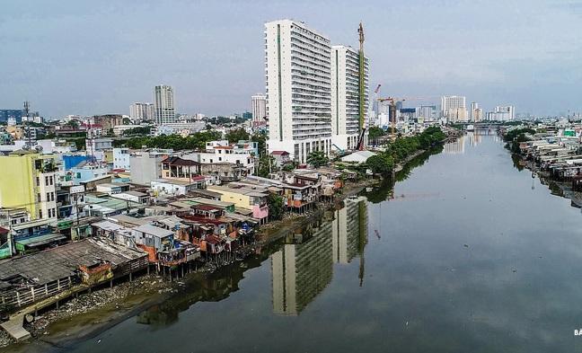 tổng kinh phí bồi thường hơn 15.600 tỉ đồng gồm dự án cải tạo rạch Xuyên Tâm, chỉnh trang đô thị dọc bờ Nam kênh Đôi và cải tạo rạch Văn Thánh.