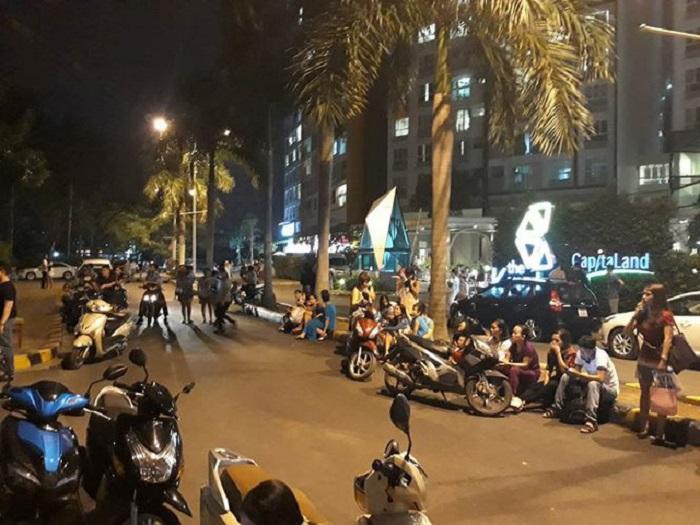 Nhiều cư dân hốt hoảng tháo chạy ra ngoài.