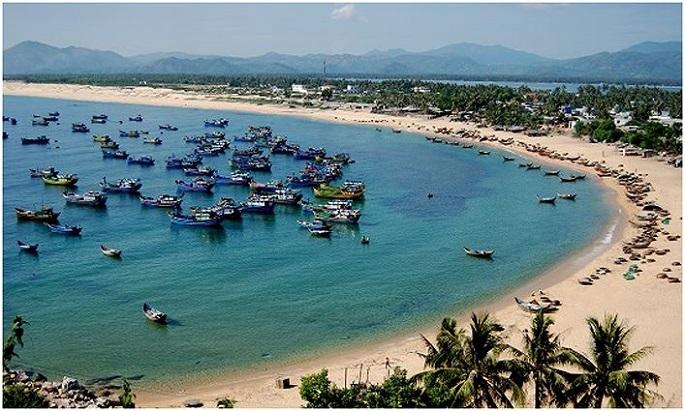 Nhiều người lạ mặt nói giọng Bắc đang nhòm ngó các khu đất ven biển ở khu phố Phú Thọ 1 (thị trấn Hòa Hiệp Trung, huyện Đông Hòa, tỉnh Phú Yên) và trả giá rất cao.