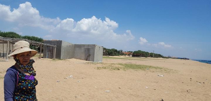 Khu đất này nằm cạnh bờ biển thuộc khu phố Phú Thọ 2 đã được dân bán với giá nhiều tỉ đồng.