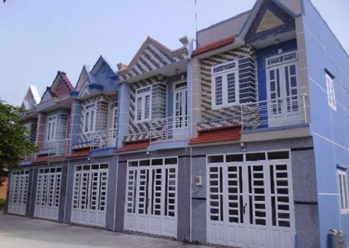 Để bán được các căn nhà ba chung, đầu nậu nhà đất thường thông qua hình thức lập vi bằng thừa phát lại.
