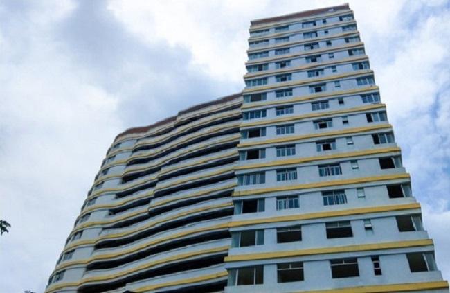 Dự án Long Phụng Residence nằm tại mặt tiền đường số 1, ngay trung tâm khu dân cư Tên Lửa, phía tây Tp. HCM do Công ty CP Địa ốc Bình Tân làm chủ đầu tư.