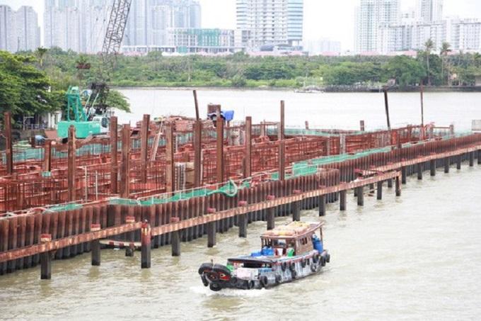 Cống ngăn triều Tân Thuận đã ngưng thi công hơn 5 tháng rưỡi qua