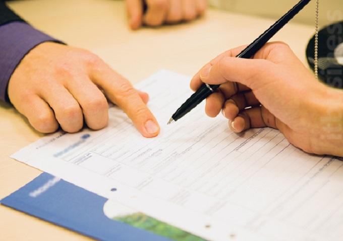 Ách tắc thủ tục pháp lý khiến nhiều nhà đầu tư gặp khó hoặc chịu thiệt khi chuyển nhượng nhà đất.