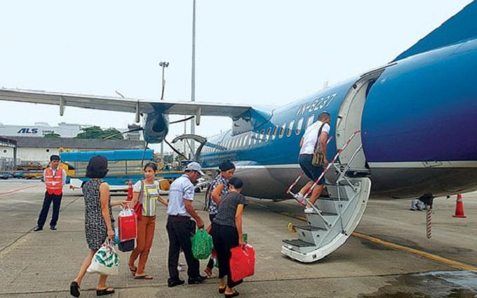 Điện Biên là sân bay cấp 3C, hiện có 3 vị trí đậu, đảm bảo khai thác các loại tàu bay ATR72 và tương đương