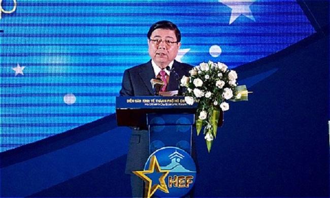 Chủ tịch UBND TP HCM Nguyễn Thành Phong phát biểu khai mạc Diễn đàn Kinh tế TP HCM 2018.