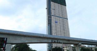 Tháp Doanh nhân sau gần 10 năm xây dựng vẫn chưa thể bàn giao căn hộ cho khách hàng.