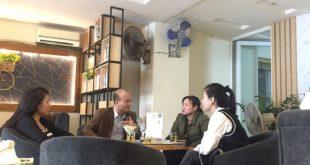 Ở Vân Đồn, quá cà phê hay nhà hàng đều trở thành điểm hẹn để giao dịch BĐS.