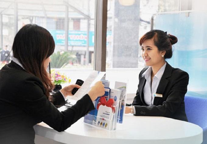 Giao dịch tại một ngân hàng thương mại cổ phần tại TP HCM