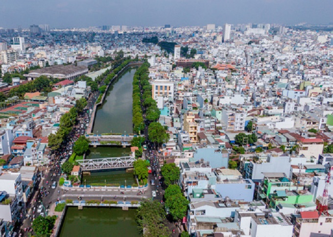 """Hiện đồ án chỉnh trang đô thị gần 110 ha đất dọc kênh Nhiêu Lộc tại các phường 7, 9, 10, 11, 13 và 14 (Q.3, TP.HCM) đã thu hút được nhiều nhà đầu tư quan tâm, gồm cả các nhà đầu tư đến từ nước ngoài. Đây là một trong những khu đất rộng gần 10.000m2 đã được một đại gia địa ốc trong nước """"chấm"""" làm khu dân cư cao tầng."""