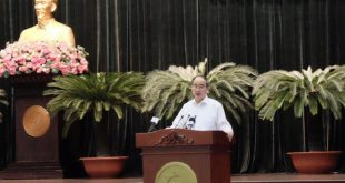 Ủy viên Bộ Chính trị, Bí thư Thành ủy TP HCM Nguyễn Thiện Nhân phát biểu tại phiên bế mạc.