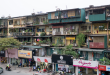 Mua nhà chung cư cũ là sự lựa chọn của nhiều người do giá rẻ, được nhận nhà ngay.