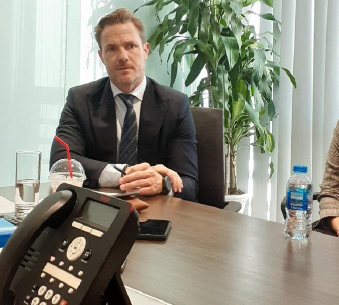 Ông Raymond Clement, Giám đốc điều hành Savills Hotels Châu Á Thái Bình Dương chia sẻ về cơ hội đầu tư tại TT BĐS nghỉ dưỡng Việt Nam. Ảnh: Hạ Vy