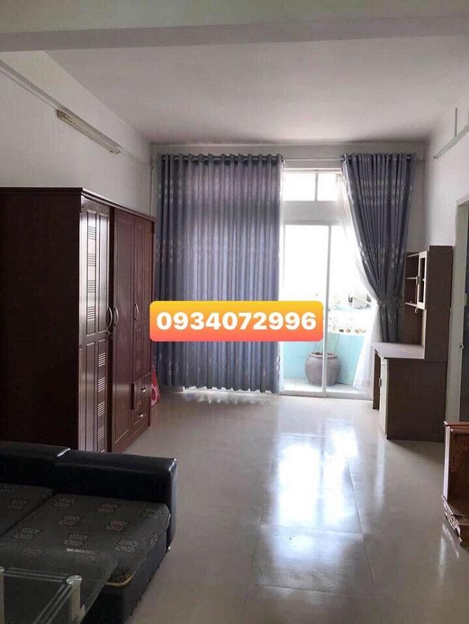 Khu vực phòng khách căn hộ mặt tiền Lê Hồng Phong