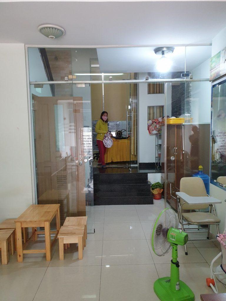 Hình chụp phòng tiếp khách nhà mặt tiền Hoàng Bật Đạt , P15 ,Quận Tân Bình