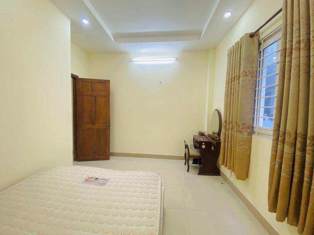 Phòng ngủ nhà đường Thân Nhân Trung