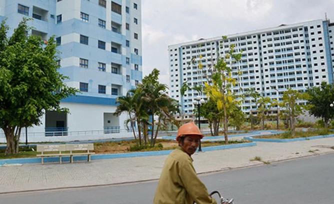 Một khu chung cư dành cho người có thu nhập thấp ở huyện Bình Chánh -TP HCM (Ảnh: NLĐO)